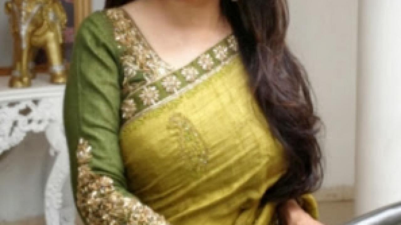 Madhuri Dixit Height, Weight, Biography, Affairs, Boyfriend
