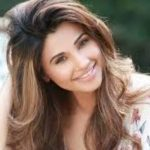 Daisy Shah Biography, Age, Weight, Height, Body measurement, Contact Information, Family